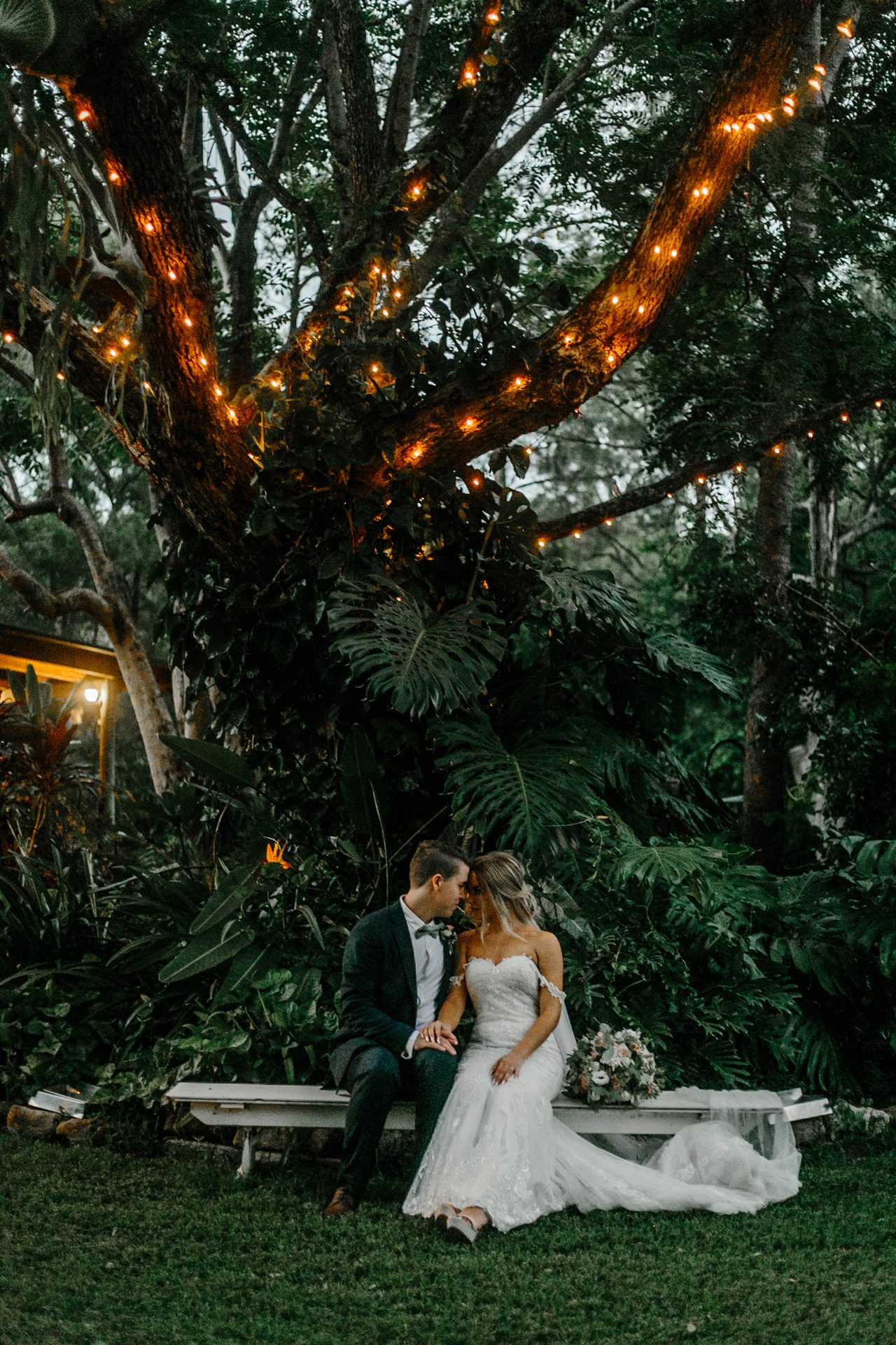 Kavanna_Jason_Romantic-Rustic-Wedding_Love-Tales_042-1280x1920
